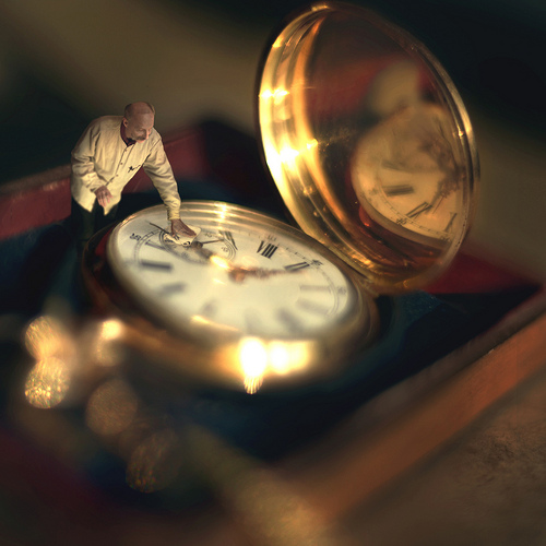 clock (photo by fiddle oak)